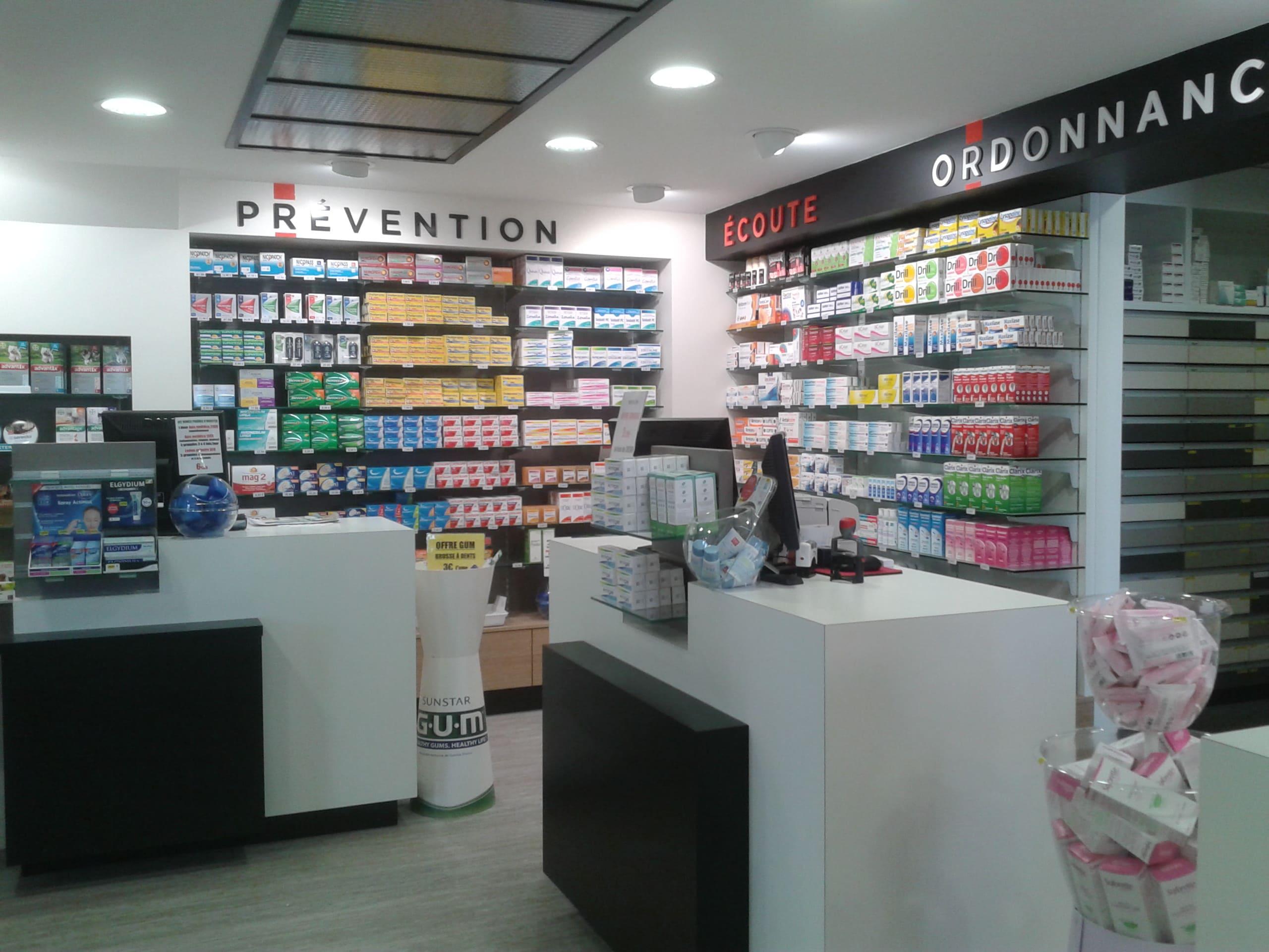 Espace ordonnance de la pharmacie de la Renaudié à Albi agencé par SAFRA Agencement