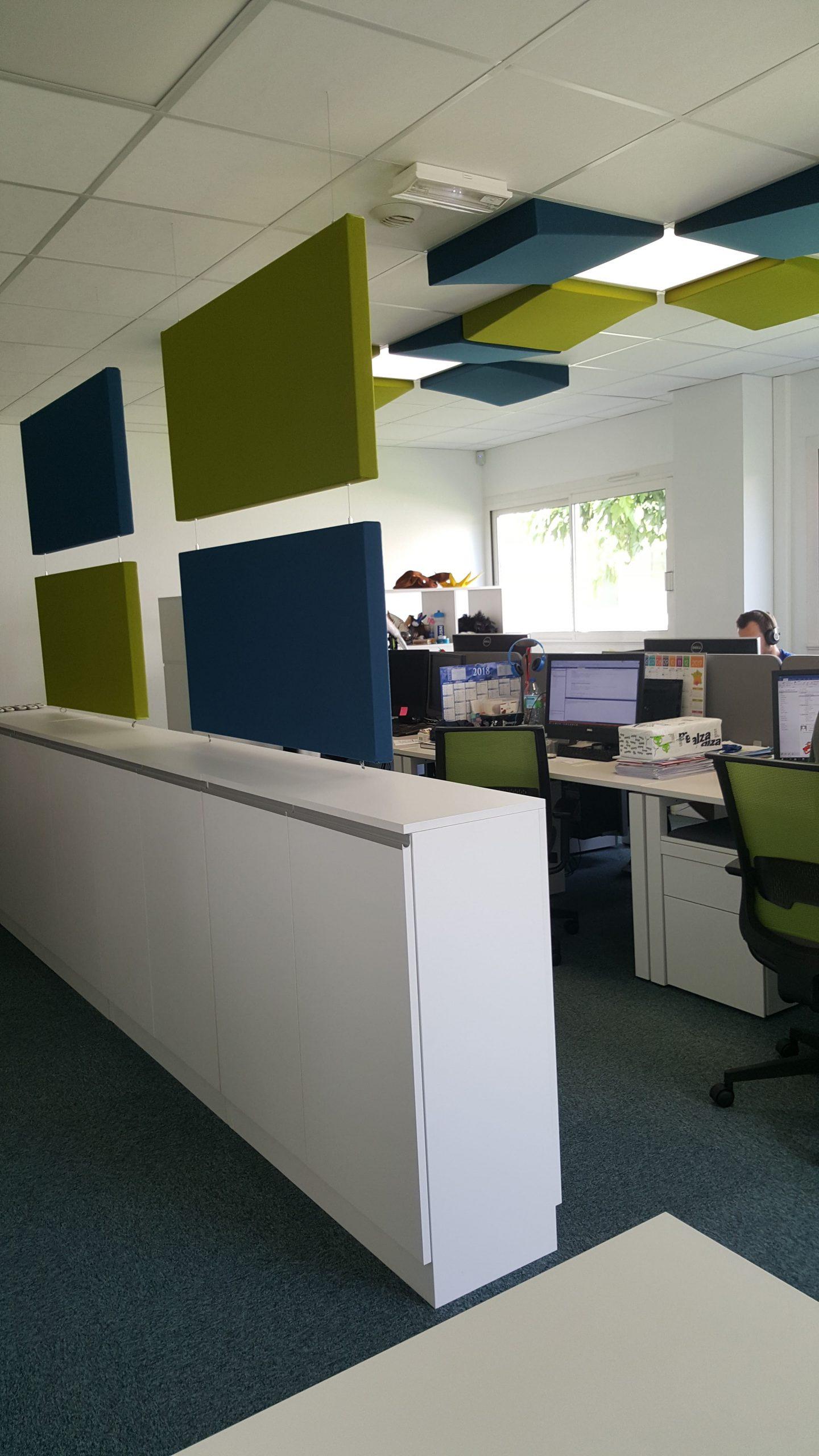 Bureaux dans les locaux de Forsk à Blagnac agencé par SAFRA Agencement