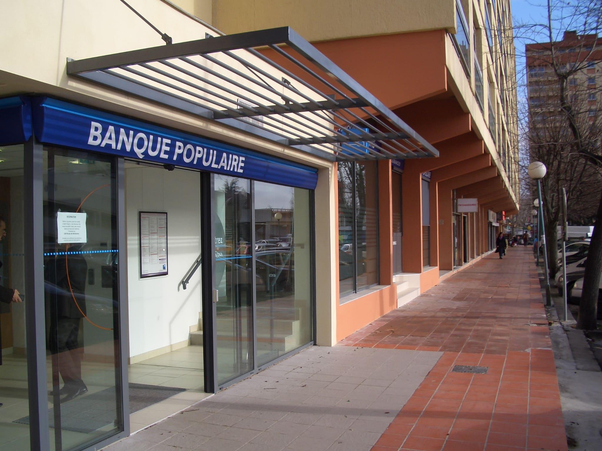 Devanture extérieure de la Banque Populaire de Ramonville