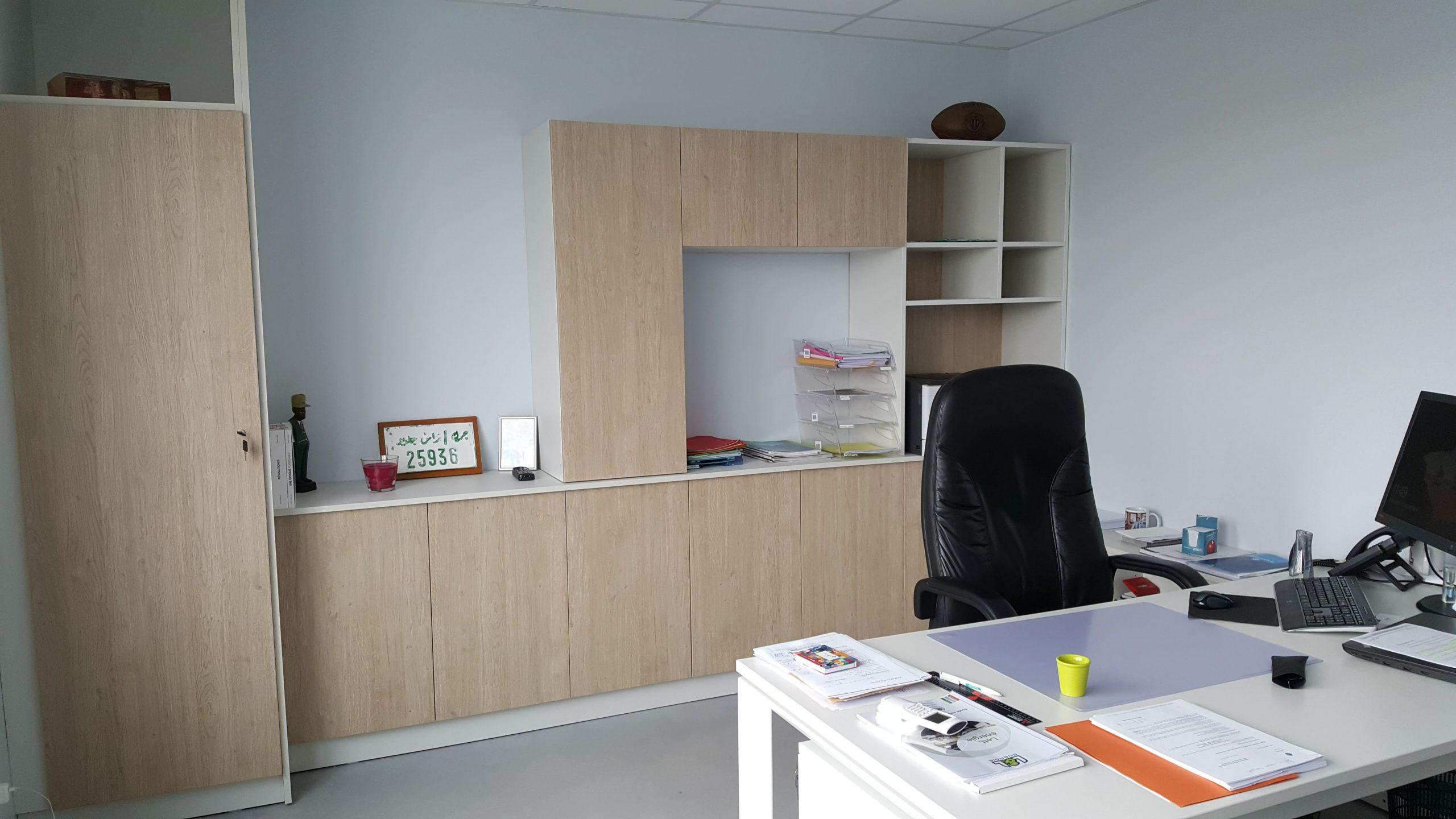 Bureau dans les locaux de Lagrèzes et Lacroux à Albi agencé par SAFRA Agencement