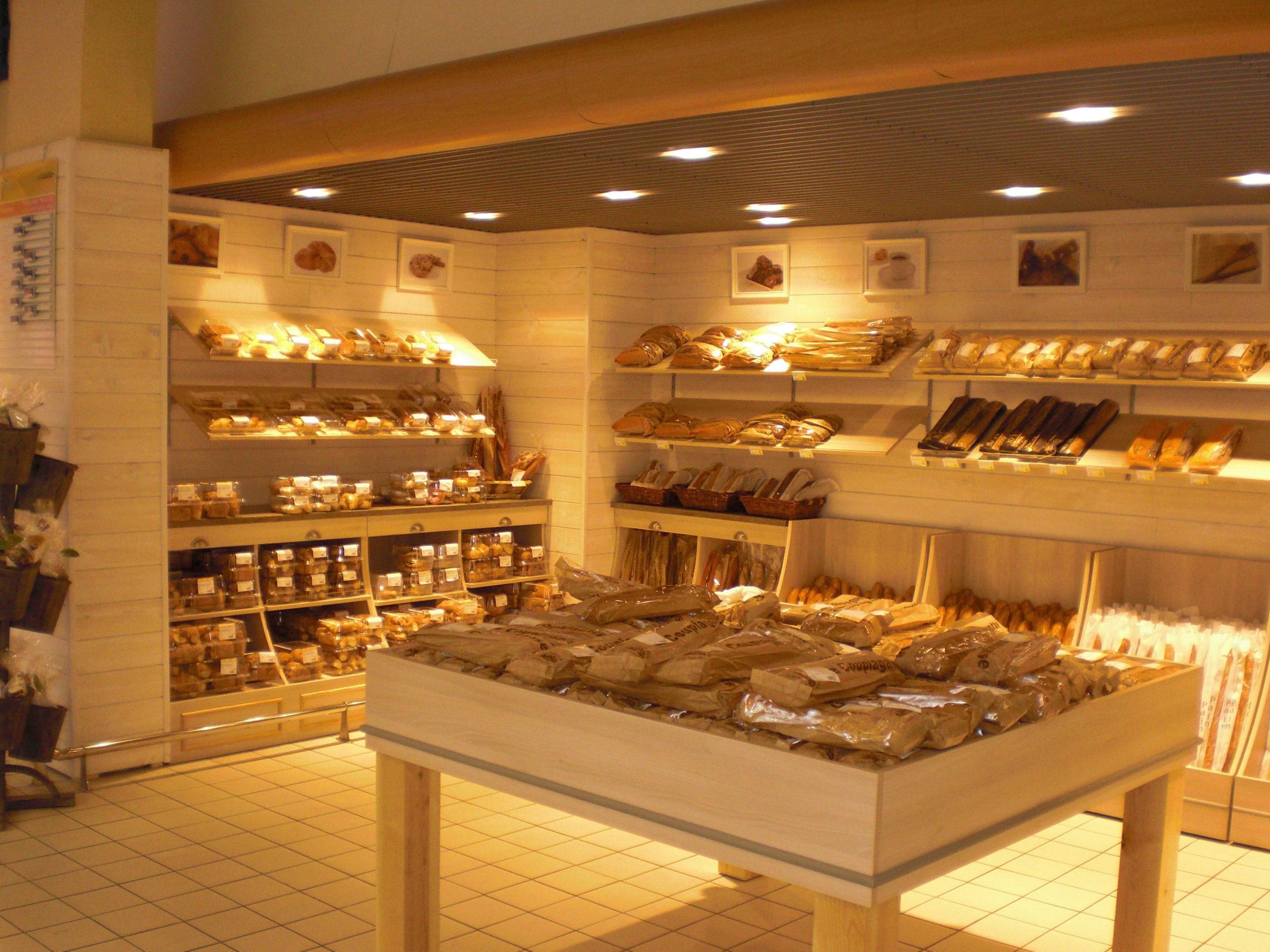 Espace boulangerie du Leclerc de Villemur-sur-Tarn agencé par SAFRA Agencement