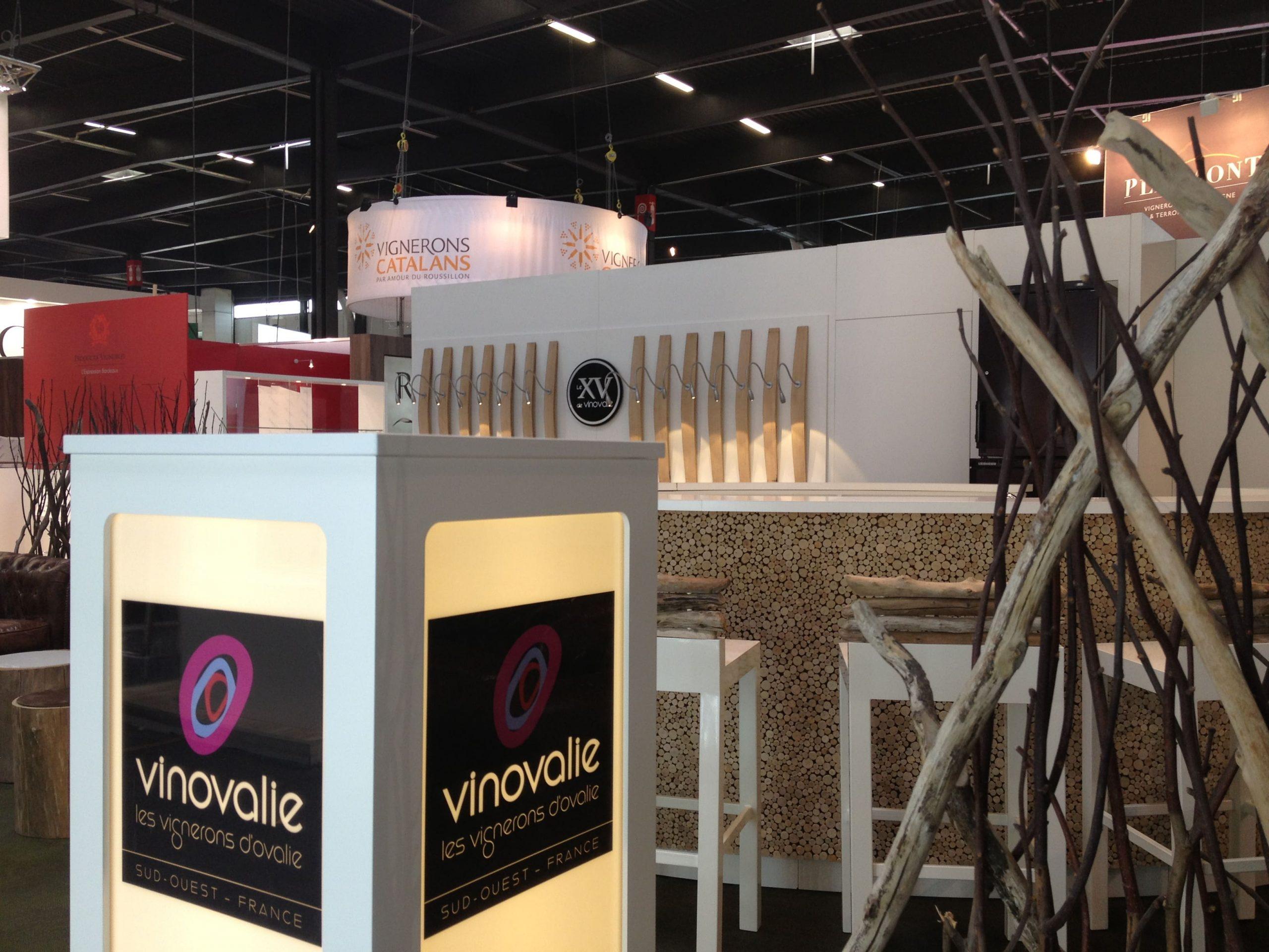 Stand de Vinovalie au salon Vinexpo à Bordeaux agencé par SAFRA Agencement
